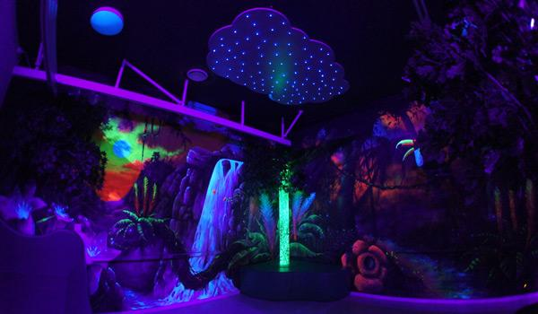 Jungle blacklight