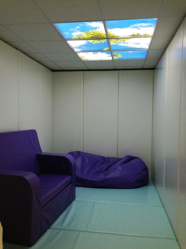 Comfort room met LED plafondpanelen